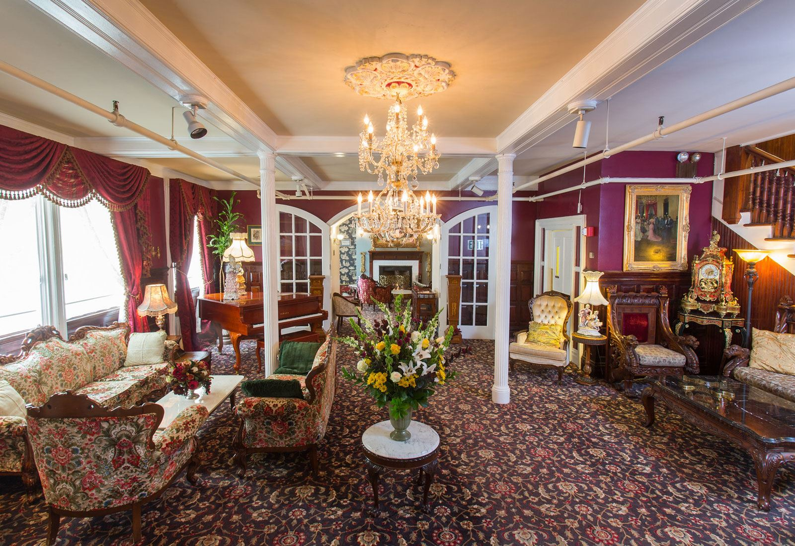 San Francisco Hotel Photos - Queen Anne Hotel