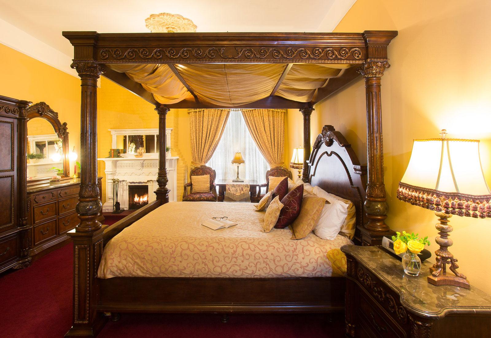 Queen Anne Bedroom Suite Victorian Boutique Hotel In San Francisco Queen Anne Hotel