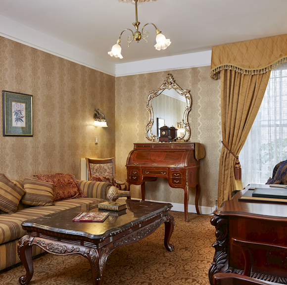 Royal Family Suite, Queen Anne Hotel