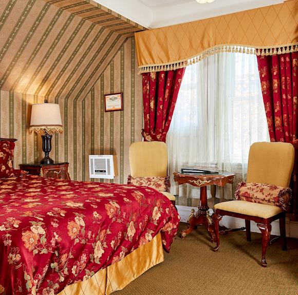Queen Anne Hotel Victorian Queen