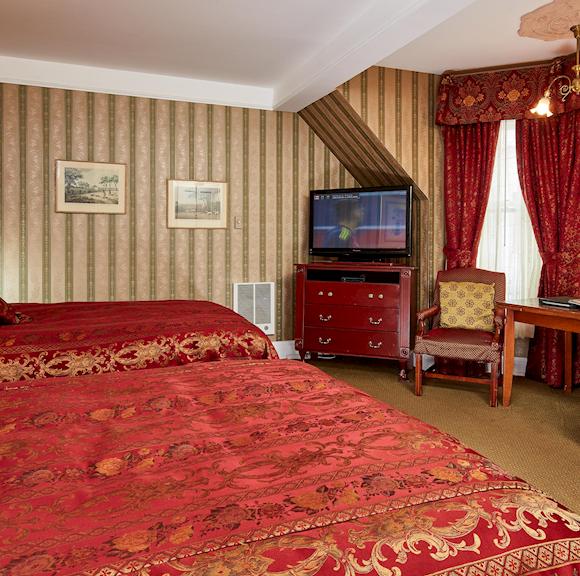 Queen Anne Hotel Victorian Two Queens