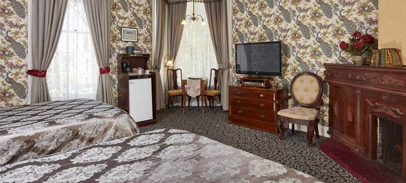 Queen Anne Hotel Victorian Architecture - A truly San Francisco Experience
